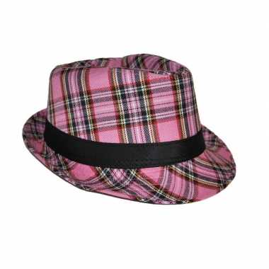 Al capone hoed schotse ruit roze carnavalskleding roosendaal