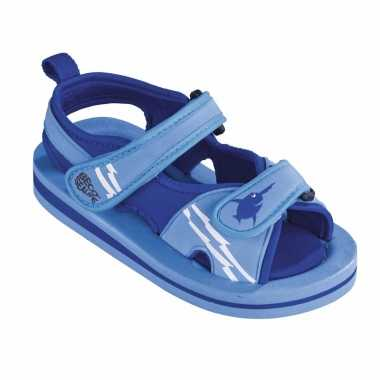 Carnavalskleding blauwe watersandalen waterschoenen baby peuter roosendaal