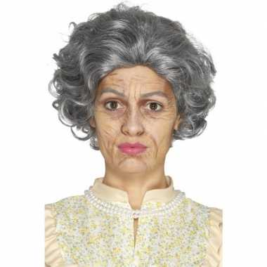 Oude dame oma schminkset carnavalskleding roosendaal