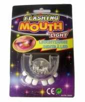 Carnavalskleding scheve tanden gebitje led lampjes roosendaal